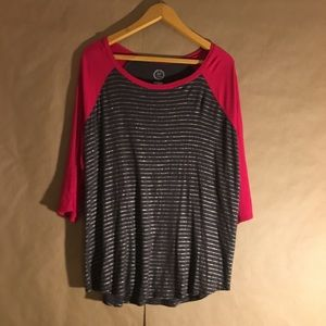 Maurices 1 XL 3/4 sleeve Hot Pink Tee 1X